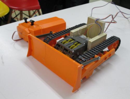 【ロボット教室日誌】飯田橋校Advancedコース「カタピラで悪路もへっちゃら!ブルドーザーを作ろう!」